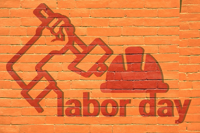How Small Businesses Can Reward Employees This Labor Day
