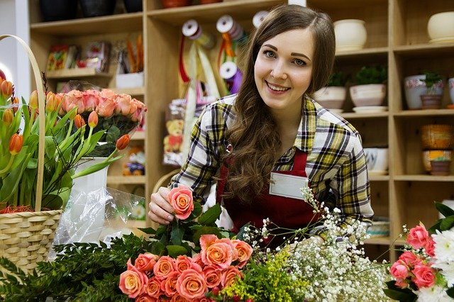 How To Help Small Businesses This Holiday Season