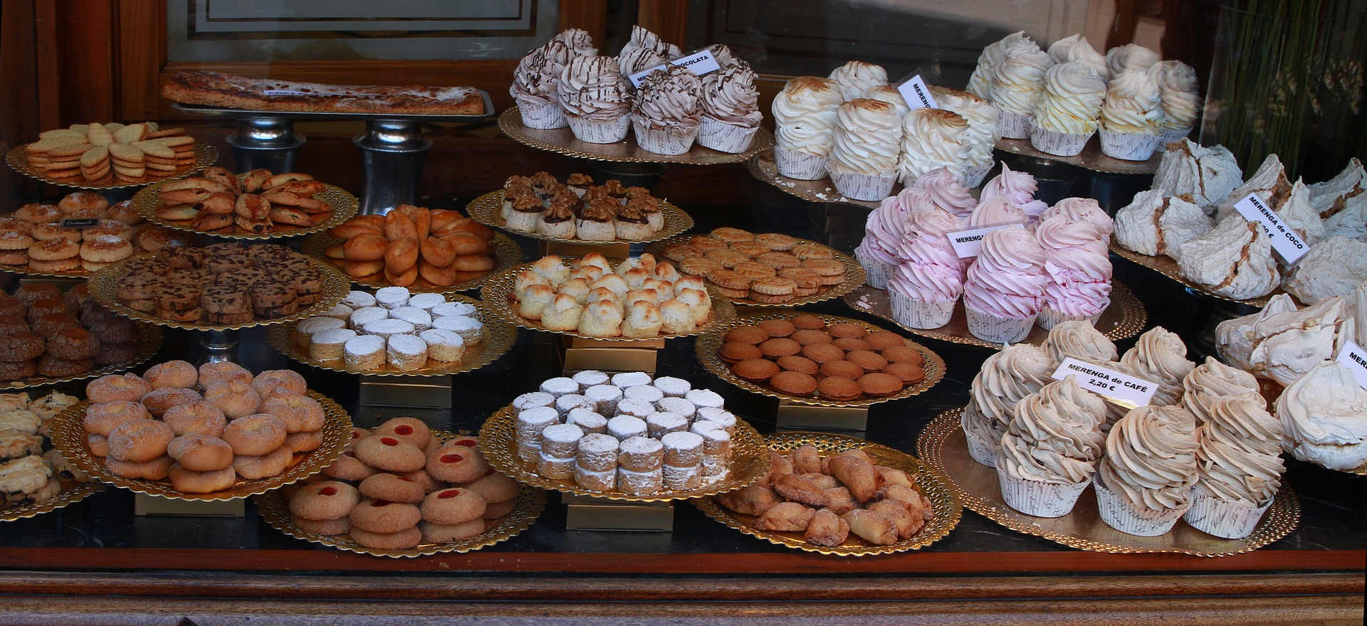 sweets-887722_1920